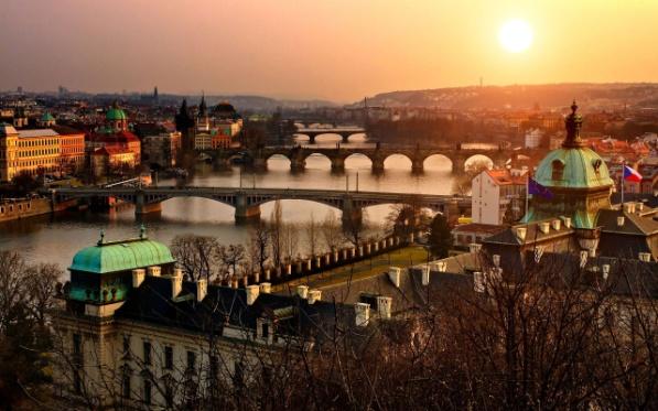 Pažintinė kelionė į Čekiją. Prahos šviesų festivalis 2
