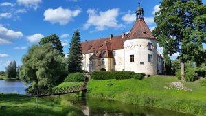 Pažintinė kelionė į Latviją. Viduramžiškas Jaunpilis, Latvijos sostinė bei Jūrmalos kurortas 3